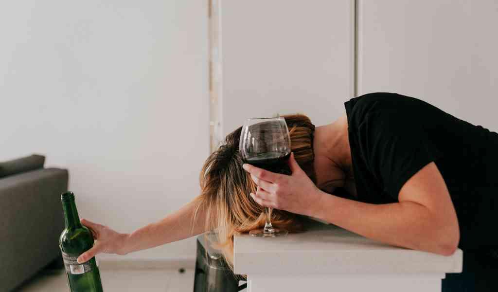 Как следует употреблять алкоголь